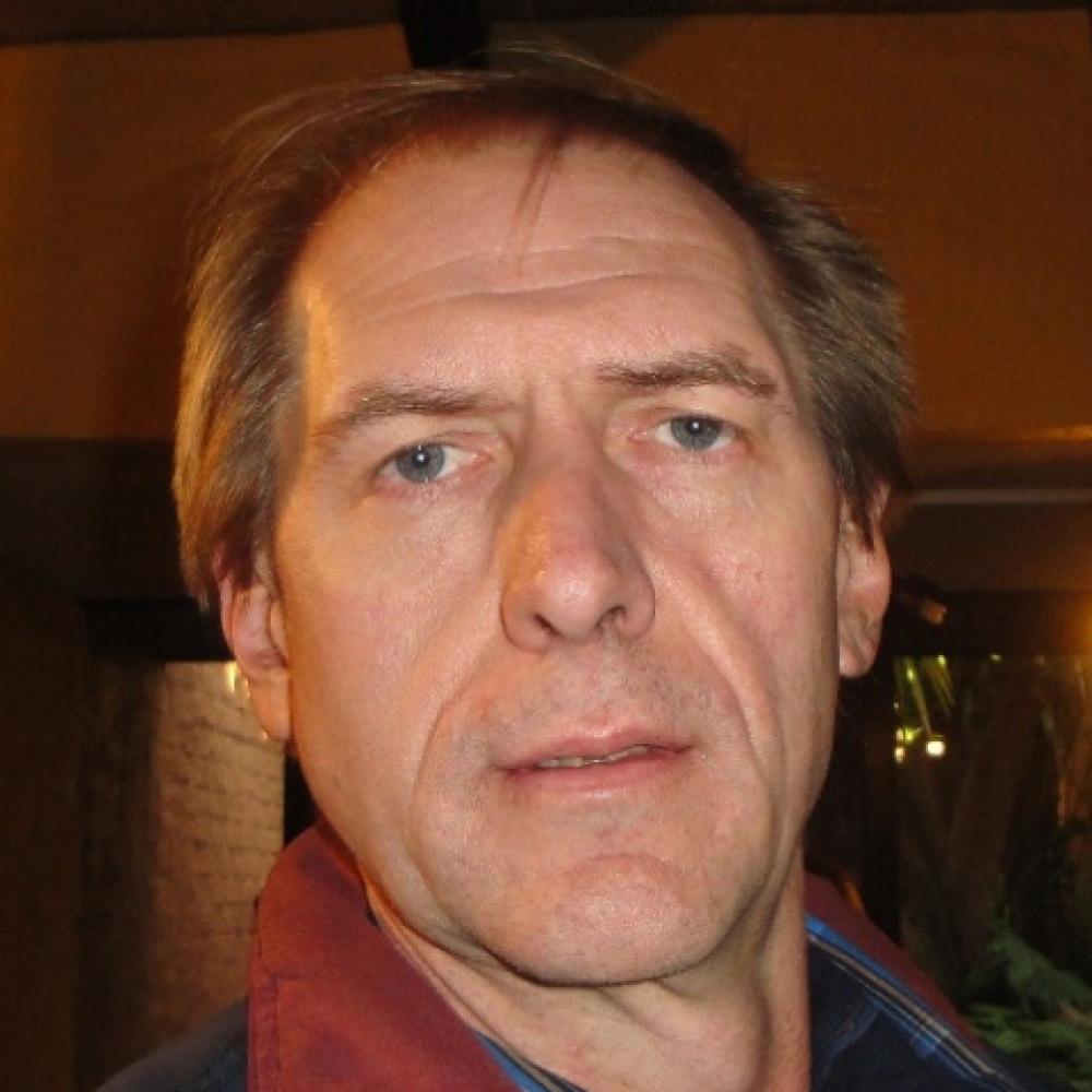 2. Bennie Koekemoer